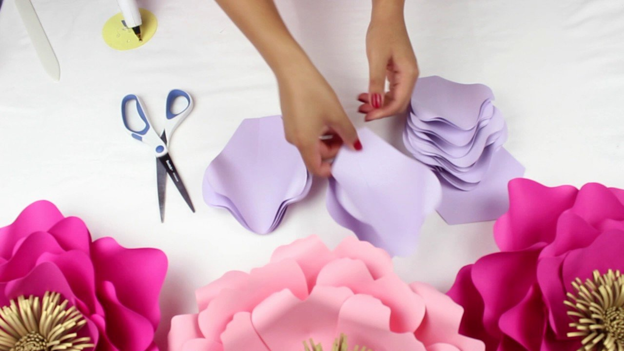 Paper Flower Backdrop Template Awesome Diy Paper Flower Backdrop Spring Colors