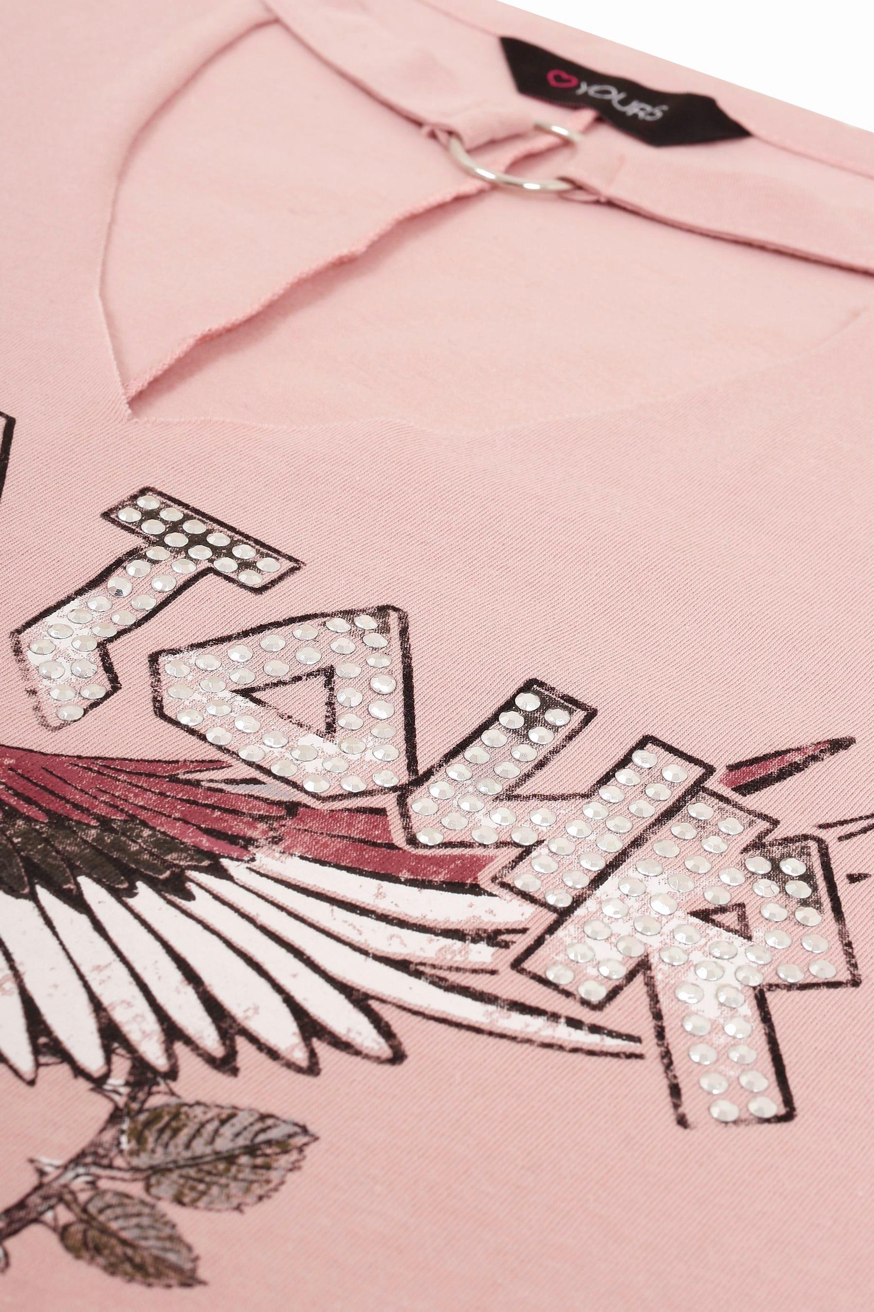 rosa slogan t shirt mit nietenverzierung und choker ausschnitt p